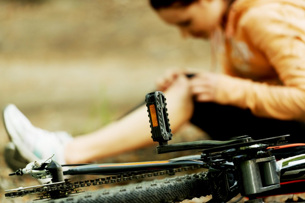 http://mountainbikeez.com/wp-content/uploads/2015/07/Save-Your-Life-From-Bicycle-Accidents-hurt.jpg
