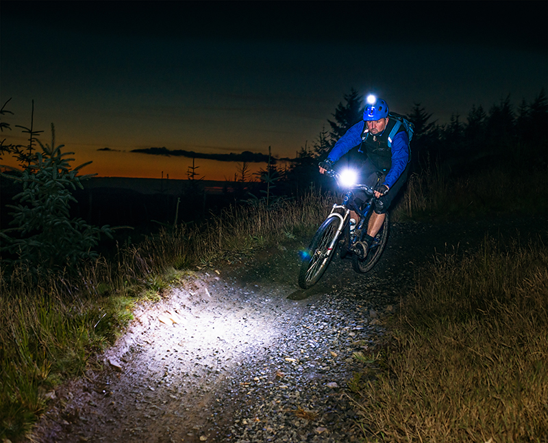 Best Mountain Bike Lights Review (COMPARISON & ADVICE)