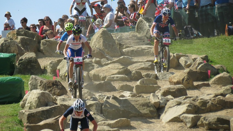what-are-benefits-of-cycling-mountain-bike-dirt